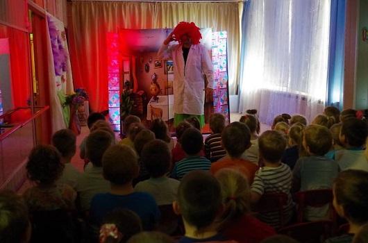 Выездной спектакль в детский сад